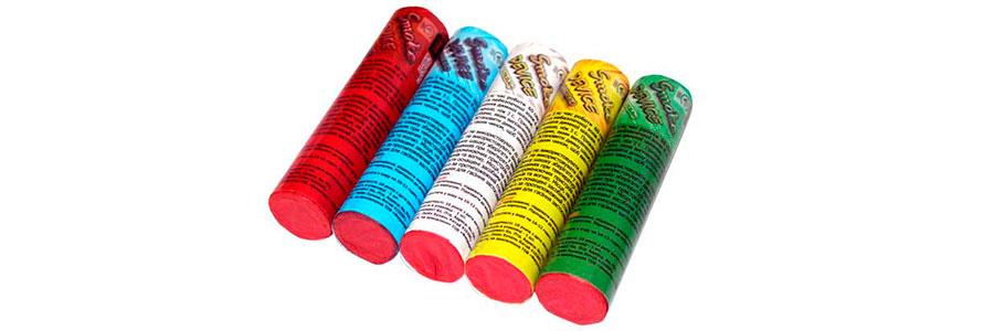 Набор разноцветных дымовых шашек фото